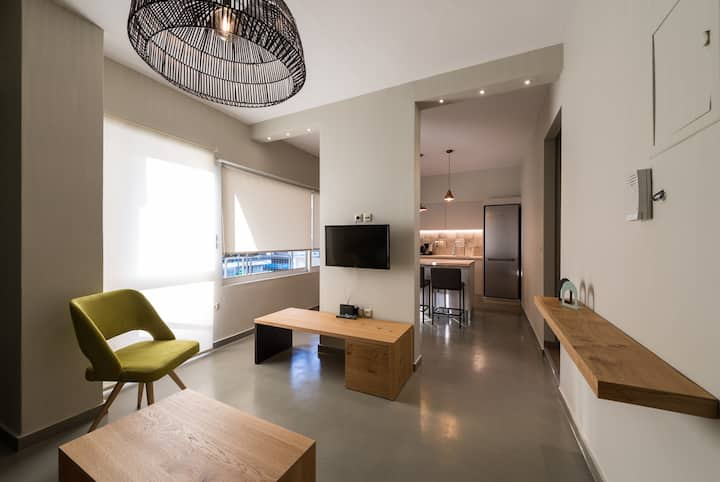 Fresh and natural apartment in Athens