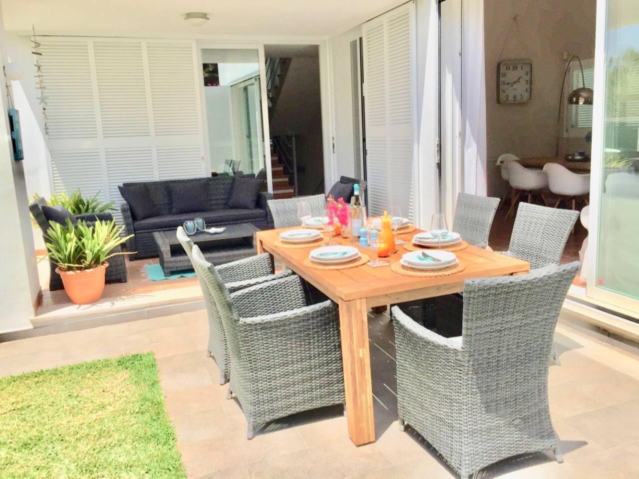 Wunderschöne Villa mit tollem Garten und diversen Sitzgelegenheiten zum entspannen und genießen