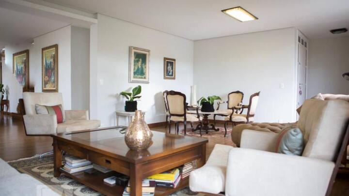 Apartamento mobiliado alto padrão
