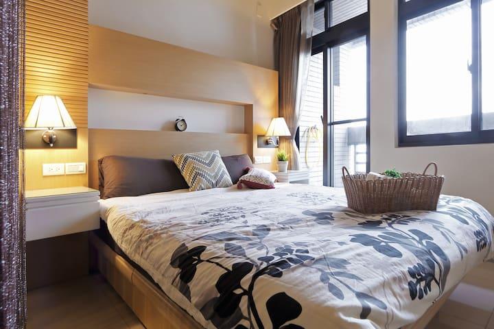 Metro 5MIN Private Room捷運中山國小/民權西路 溫馨一廳一房 酒店式公寓