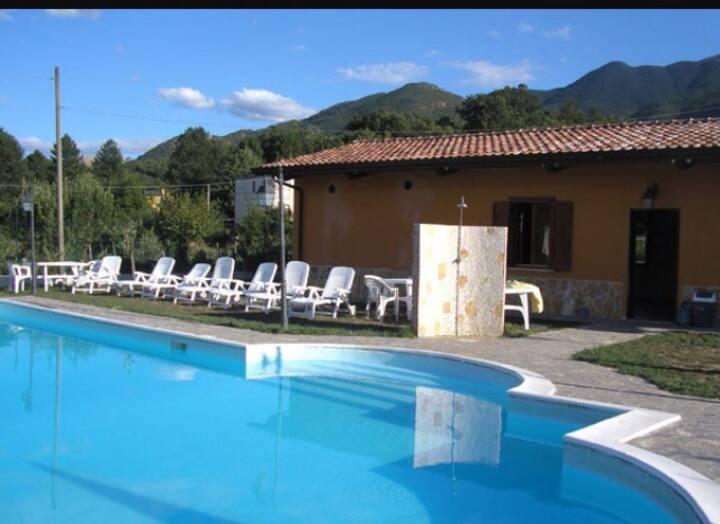 Casa vacanze 6/7 posti, piscina comune e calcetto