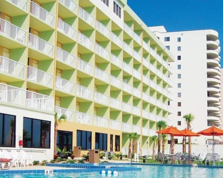 Ocean Front Two Bedroom Condo, Daytona Beach (Z68)