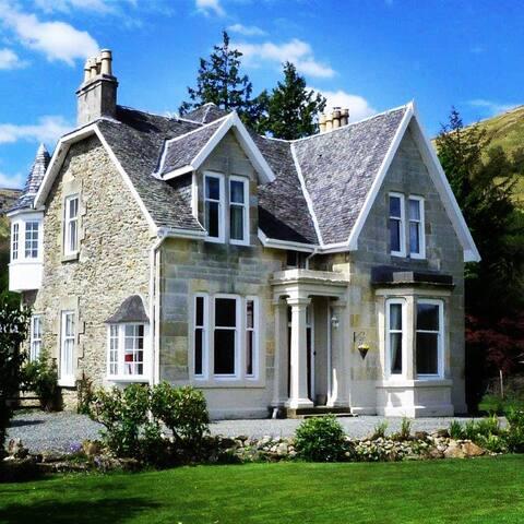 Rhumhor House
