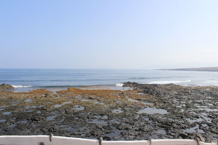 Coqueto apartamento frente al mar