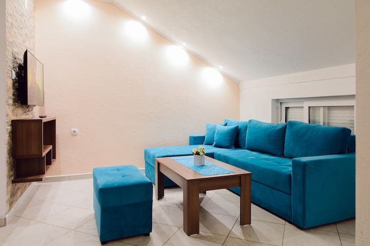 Aleksandar - 3BR Apartment Near City Center