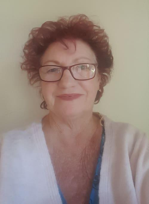 Hi I am Robyn Your Host. Aromatherapist, Author Of Beauty School Books, training manuals.