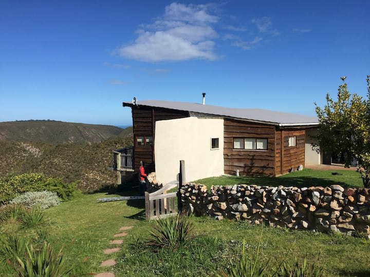 African Crags Eco-Lodge, Unit One