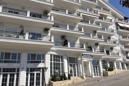 Rezidenz Flowers Luxus Penthouse - Sarandë
