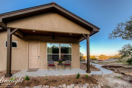 Private Luxury Casita - B in TX Hill Country - Spring Branch - Bed & Breakfast - 1
