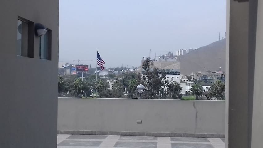 Available Room next to USA Embassy in Lima - Santiago de Surco - Wohnung