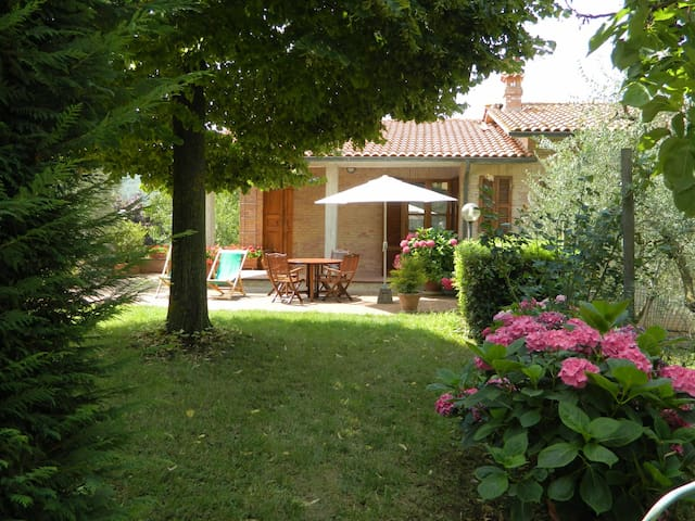 Beautiful house, peaceful and panoramic position - Pievescola