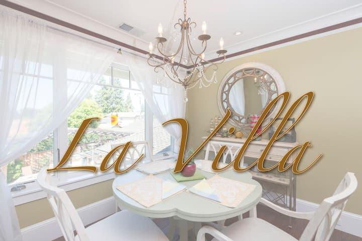 La Villa Upscale getaway, fireplace, total privacy