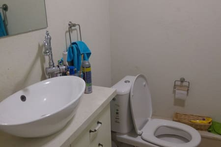 cozy appartment fully furnished great location - Jerusalem