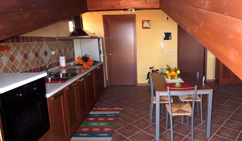 Grazioso monolocale 5 Km da Capo d'Orlando-Sicilia - Rocca di Capri Leone - Apartamento
