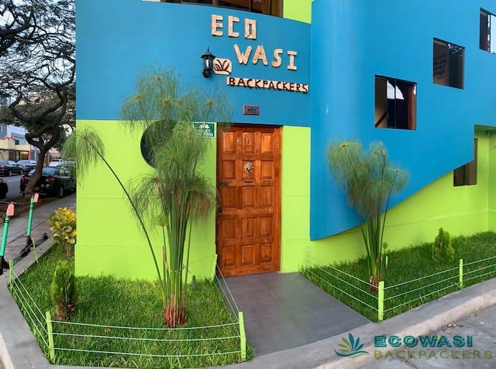 Eco Wasi Backpackers: Habitación Deluxe 203
