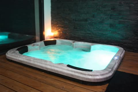 Suit'Dream (Suite rouge) avec Spa / Sauna privatif