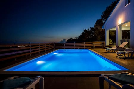 Panoramic view Villa with private pool