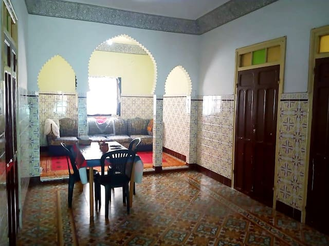 Beautiful Private Room in a traditional house*WiFi
