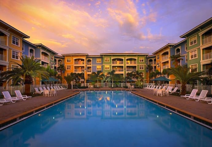 1BR Weston Getaway at Mizner Place