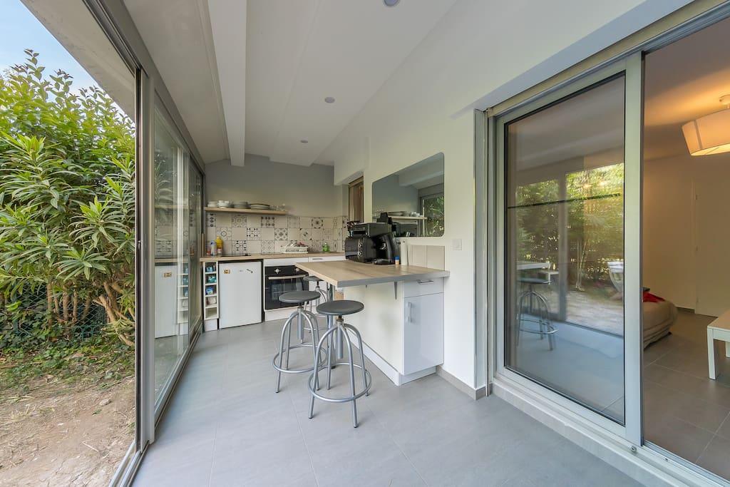 Cuisine et salle à manger sur jardin