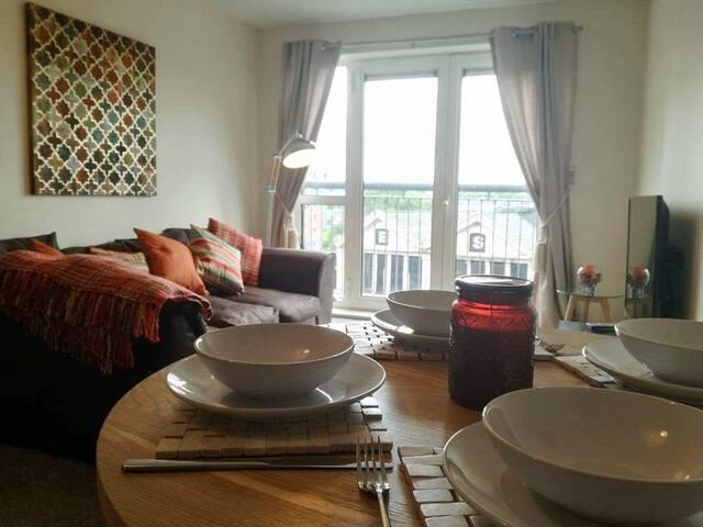 Seven Twenty Bolton - Large town centre apartment