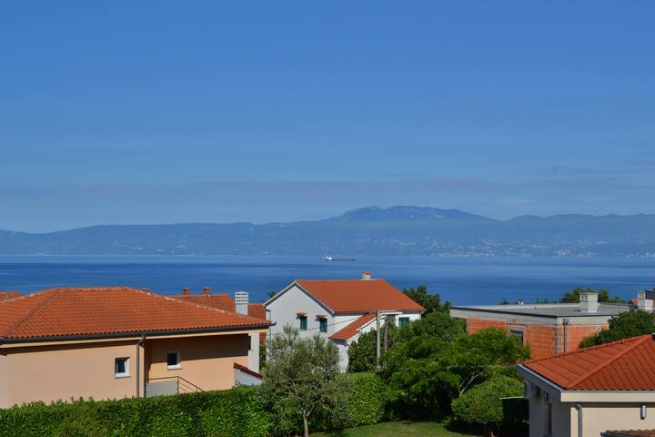 Charming Ana with sea view