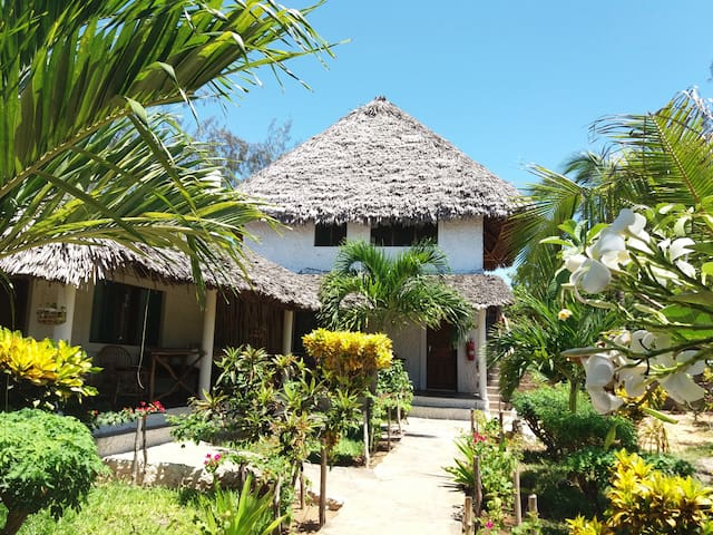 Mvuvi B&B, Kite House - Lamu Bungalow - Watamu