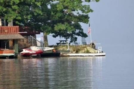 Rocky Point - Best Location on Greenwood Lake - Greenwood Lake