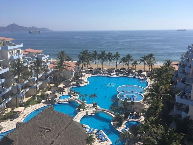 Hermosa Villa 2 pisos en Elegance Blue, Manzanillo