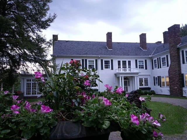 Vacation Like Gatsby 550-Acre FairyTale Estate