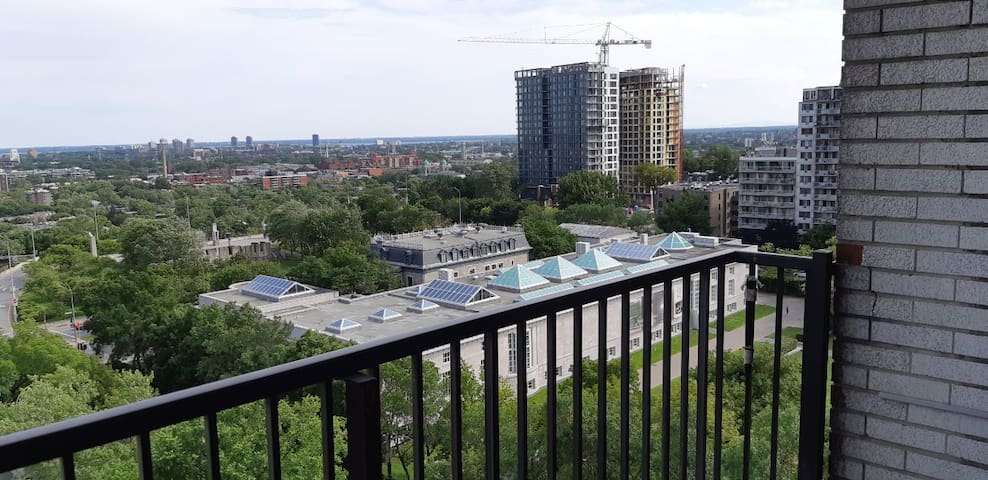 A beautiful apartment in the heart of Montreal.