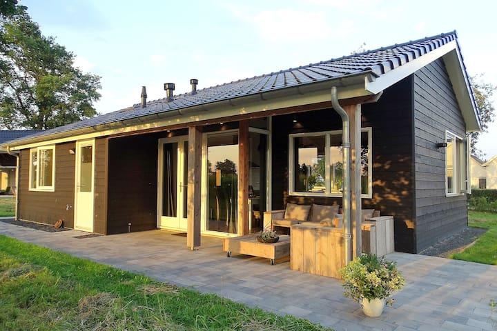 Fijn vakantiehuis in Keijenborg met overdekt terras