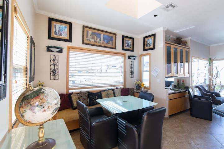 Stacey's 3 Bd Water View Beach Home