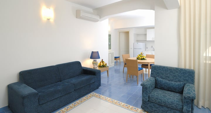 AURORA RESIDENCE - APARTMENT IN AMALFI (4 PAX)