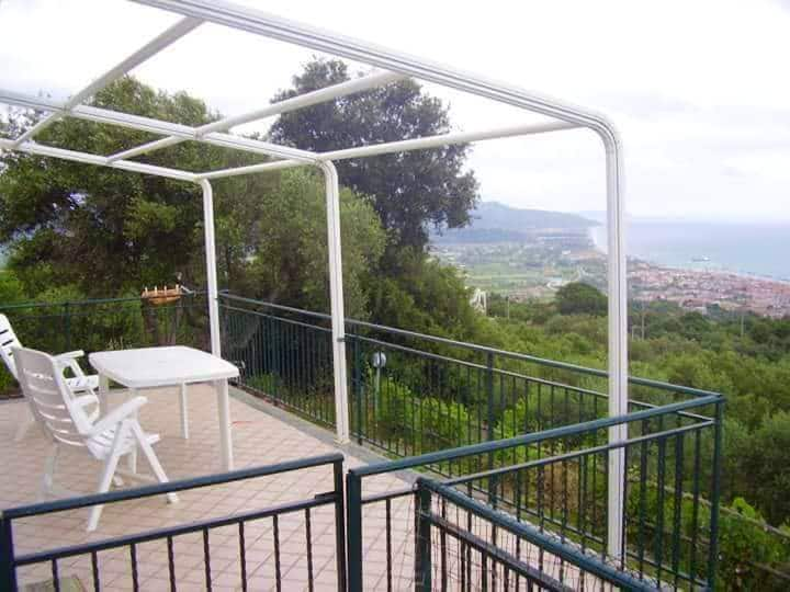 House with one bedroom in Casal Velino, with wonderful sea view and enclosed garden - 6 km from the beach