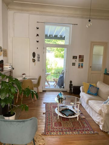 Cosy appartement with a small garden
