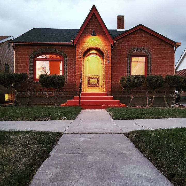 Historic craftsman cottage with loads of character