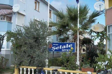 ŞARKÖYÜN EN ESKİ MEKANLARINDAN SADUNOĞLU SİTESİ - Şarköy - アパート