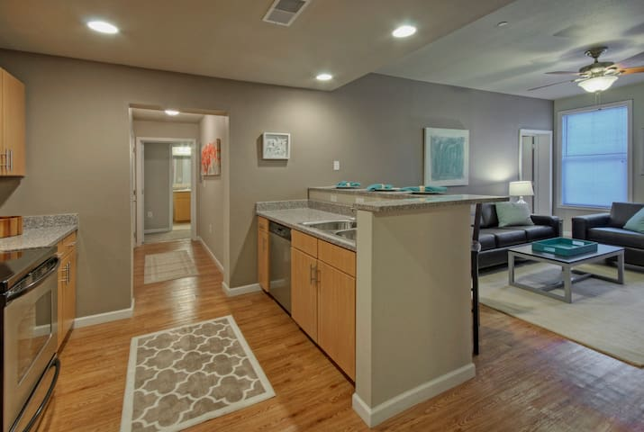4/4 Presidential Suite - Waco - Apartament