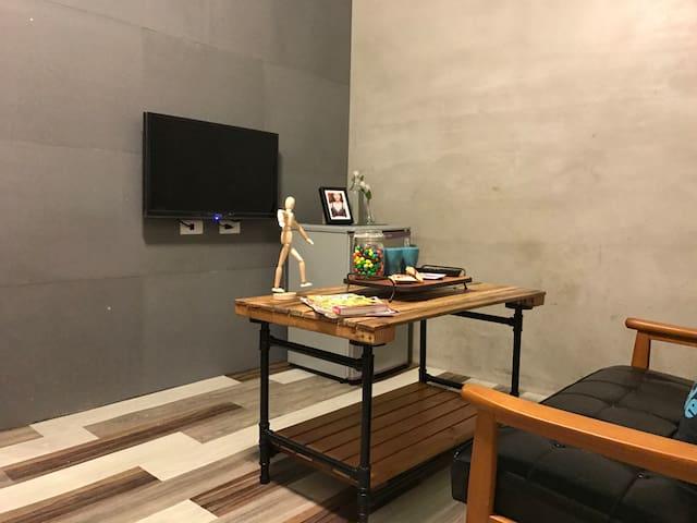 E 台北車站、中山站步行距離、工業風裝潢,1房1廳設備一應俱全。 - Datong District - 公寓