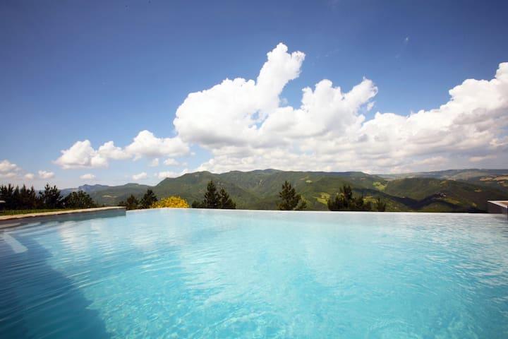b&b con piscina LATORDICELLA 4