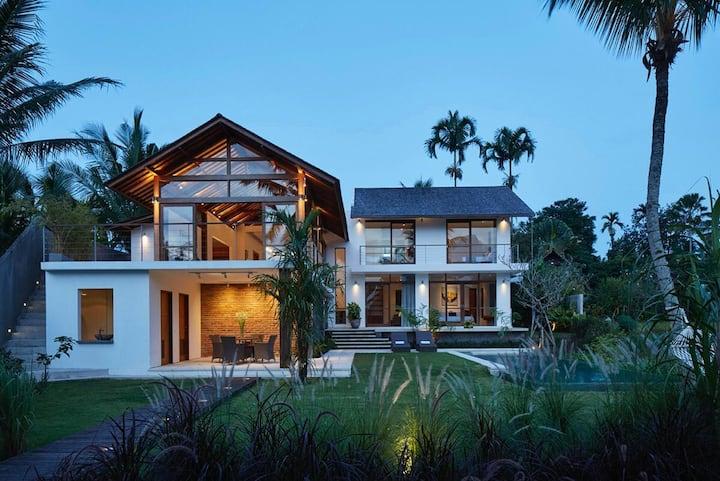 UmaKita Villa - Panoramic Rice Terraces in Ubud