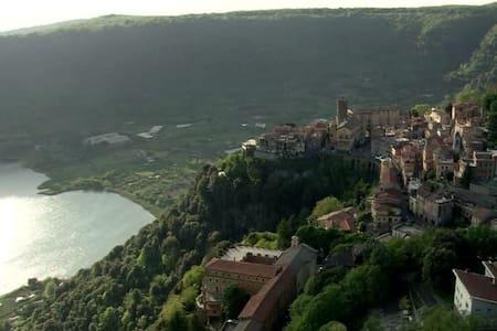 Apartment in the Roman Hills (Castelli Romani)