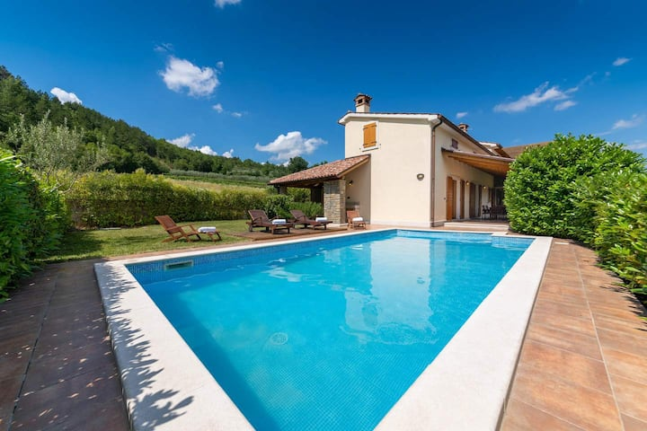 Villa Lef with pool and beautiful panorama view