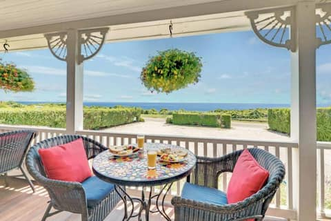 Private room in a Romantic Montauk Bed & Breakfast by the Sea