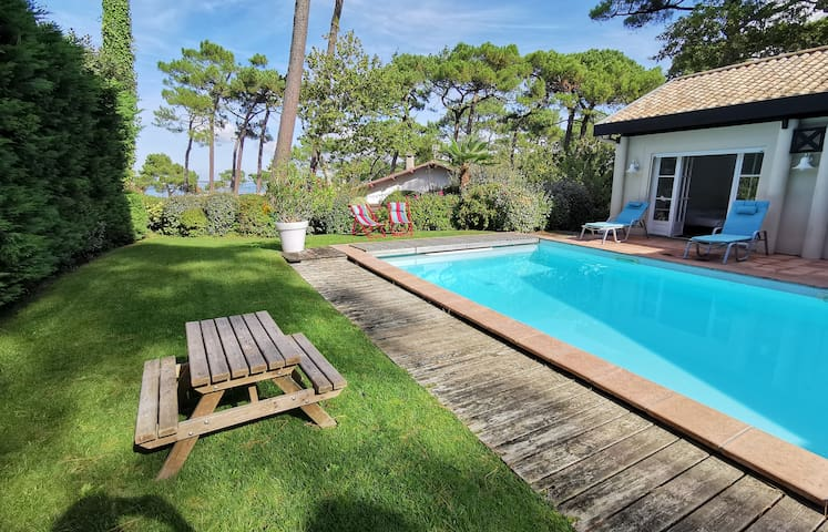 Superb house at the top of the Dune du Pilat, pool and views of the Basin