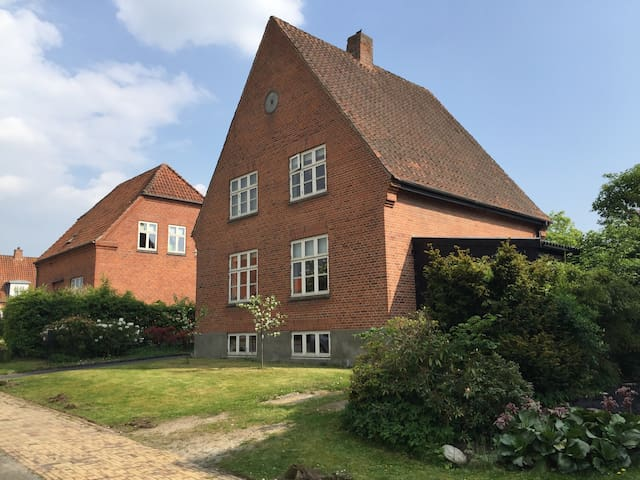 Beautiful house in very attractive surroundings - Odense - Casa