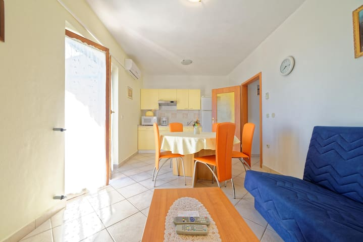 Apartments Klaudio / A1 Two bedrooms - Labin - Lägenhet