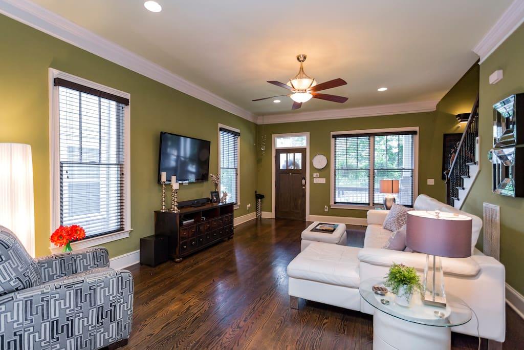 Living Room (Front Door)