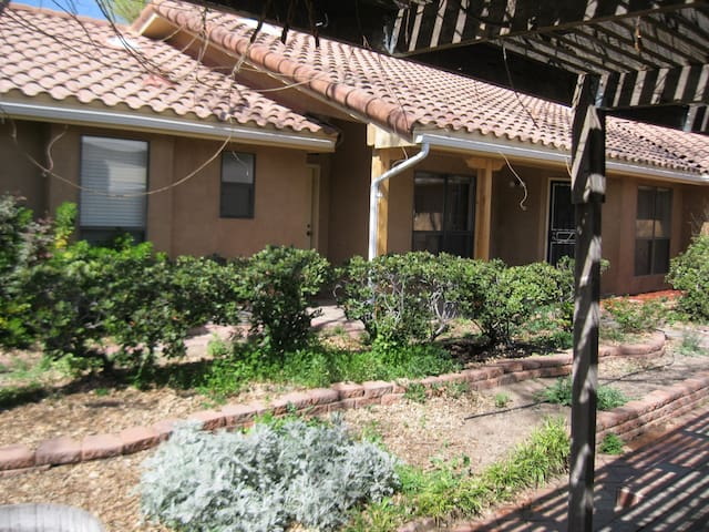 Casa Comfortable between University & Mesilla - Las Cruces - Haus